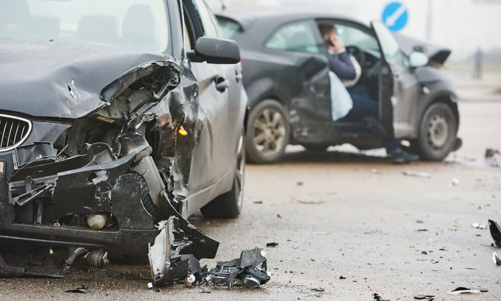 What to do if you are involved in a car accident - Reliant Insurance Alberta